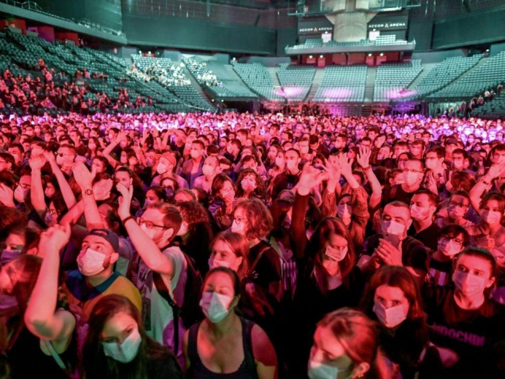 Concert-test : un acte citoyen rythmé par Indochine